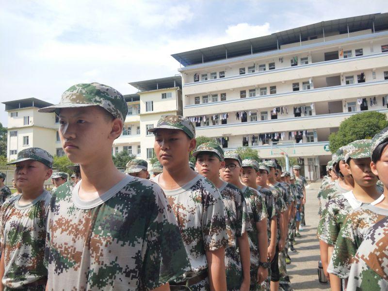 兴安中学2020年军训海量相片速递