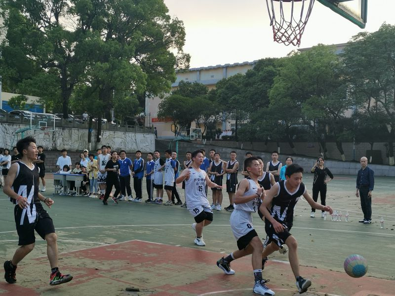 """我就是篮球场上那颗最亮的星——兴安中学庆祝中国共产党建党100周年系列活动之""""兴安中学举行第三十八届篮球赛"""""""